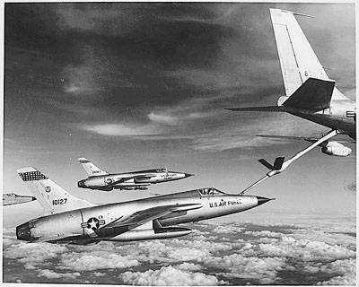 Ανεφοδιασμός εν πτήσει F-105. 1966
