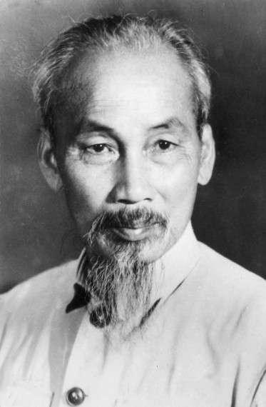 Ο Χο Τσι Μινχ (19 Μαΐου 1890 – 2 Σεπτεμβρίου 1969) ήταν βιετναμέζος κομμουνιστής επαναστάτης και πολιτικός που διατέλεσε πρωθυπουργός (1946–1955) και πρόεδρος (1945–1969) της Λαϊκής Δημοκρατίας του Βιετνάμ (Βόρειο Βιετνάμ).