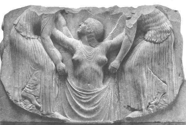 Aνάγλυφα του λεγόμενου θρόνου Ludovisi. Ίσως προέρχονται από ιερό πορνείας αφιερωμένο στην Αφροδίτη, στους Λοκρούς της Σικελίας. Σε αυτό, θα προσέρχονταν και μελλόνυμφες ή νεόνυμφες για να πάρουν την ευλογία της θεάς του έρωτα.