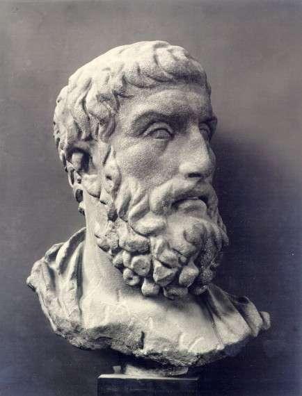 Ο Επίκουρος και η θεωρία του στρέφονται σε έναν ηθικολογικό χαρακτήρα της φιλοσοφίας.[3] Στόχος του ήταν η αναζήτηση των αιτιών της ανθρώπινης δυστυχίας και των εσφαλμένων δοξασιών που την προκαλούν, όπως για παράδειγμα η δεισιδαιμονία, ώστε να υπάρξει η αντιπρόταση για την προοπτική μιας ευχάριστης ζωής (ΖΗΝ ΗΔΕΩΣ), που για την επίτευξή της ο Επίκουρος προσέφερε ξεκάθαρες φιλοσοφικές συμβουλές. Το ζην ηδέως επιτυγχάνεται με την απουσία του πόνου και φόβου και με τη βίωση μιας ζωής αυτάρκους περιβαλλόμενης από φίλους. Rom, Museo Baracco (photo: Alinari)