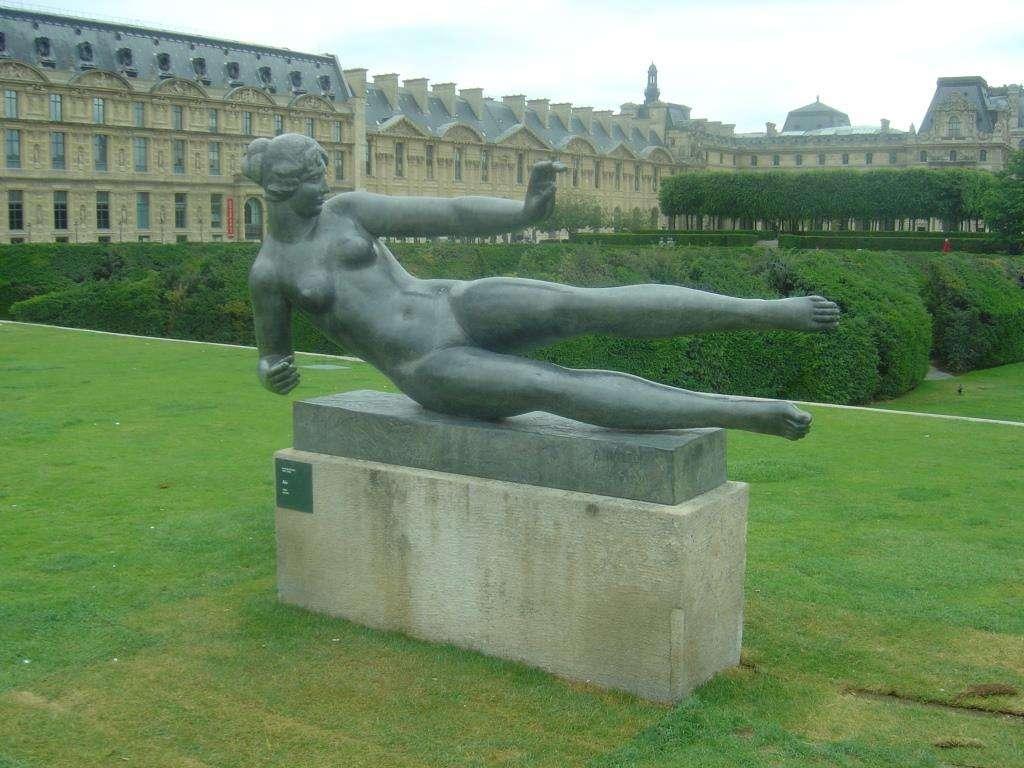 """""""Ο Αέρας"""" (1938). Έργο του Αριστίντ Μαγιόλ. Παρίσι, Κήπος του Κεραμεικού."""