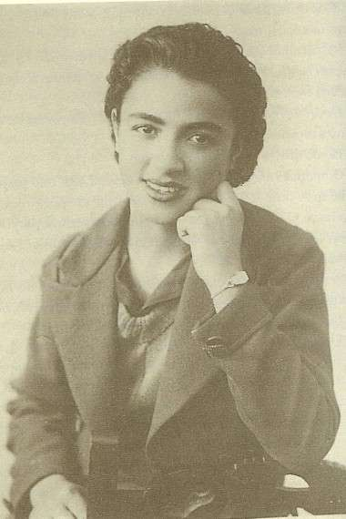 Η Σωτηρία Μπέλλου ήταν μια από τις κορυφαίες τραγουδίστριες του λαϊκού και ρεμπέτικου ελληνικού τραγουδιού.