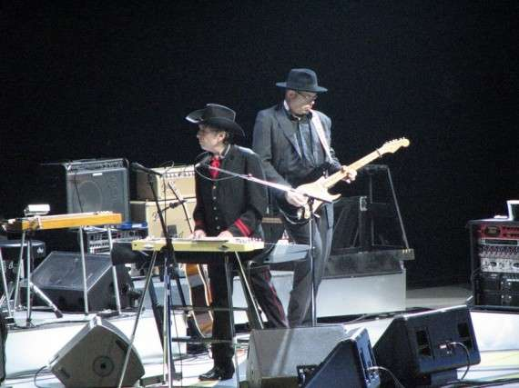 Bob Dylan performs at Air Canada Centre, Toronto, November 7, 2006
