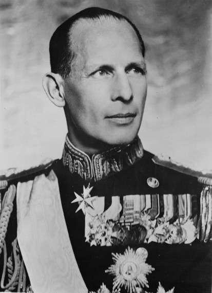 Ο Γεώργιος Β΄, Βασιλεύς των Ελλήνων, ήταν βασιλιάς στο Βασίλειο της Ελλάδας κατά τα διαστήματα 1922-24 1935-1941 και 1946-1947 και πρωθυπουργός από τις 19 Απριλίου 1941 μέχρι τις 22 Απριλίου 1941.
