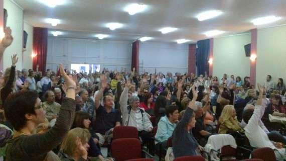 Με συντριπτική πλειοψηφία υπέρ της απεργίας δεκάδες χιλιάδες καθηγητές στις συνελεύσεις των ΕΛΜΕ