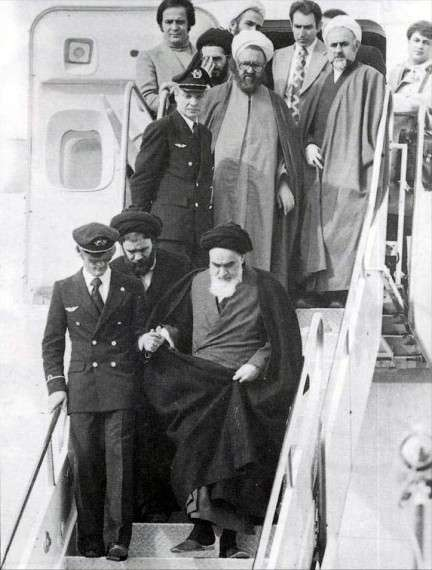 Η επιστροφή του Αγιατολάχ Χομεϊνί, την 1η Φεβρουαρίου 1979 στο Ιράν, από την εξορία του στη Γαλλία.