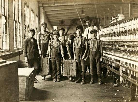 Νότια Καρολίνα, 1908. Παιδιά που δουλεύουν σε εργοστάσιο