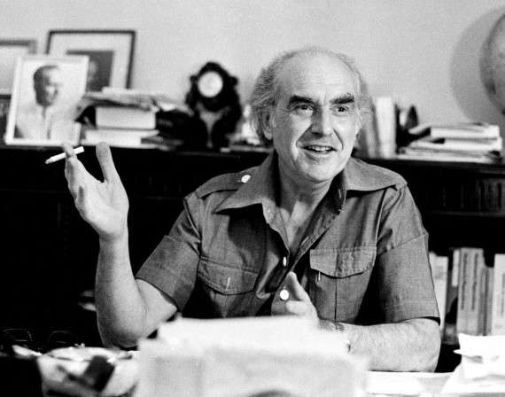 Ο Ανδρέας Γ. Παπανδρέου (5 Φεβρουαρίου 1919 – 23 Ιουνίου 1996) ήταν Έλληνας πολιτικός, πρόεδρος και ιδρυτής του ΠΑΚ και αργότερα του ΠΑ.ΣΟ.Κ., του οποίου η ιδρυτική διακήρυξη της 3ης Σεπτέμβρη συμπυκνώνεται στο τρίπτυχο «Εθνική Ανεξαρτησία - Λαϊκή Κυριαρχία - Κοινωνική Απελευθέρωση». Διετέλεσε πρωθυπουργός τις περιόδους 1981-1989 και 1993-1996.