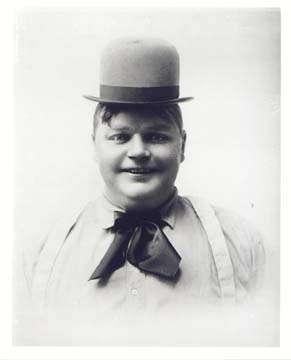 """Ο Φάττυ Άρμπακλ (Roscoe """"Fatty"""" Arbuckle)"""