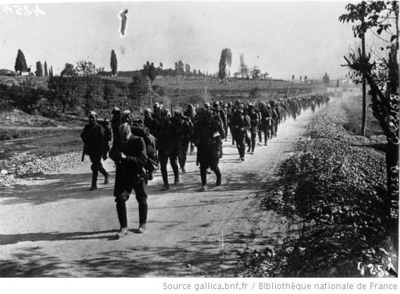 Έλληνες στρατιώτες υποχωρούν το 1922