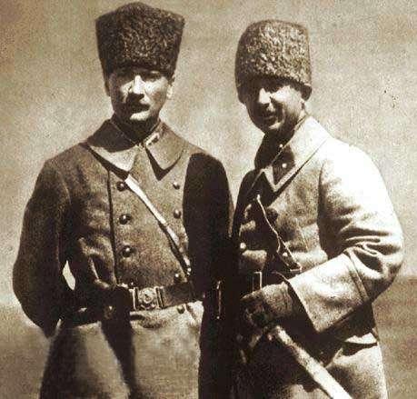 Ο Ατατούρκ και ο Ισμέτ Ινονού το 1922