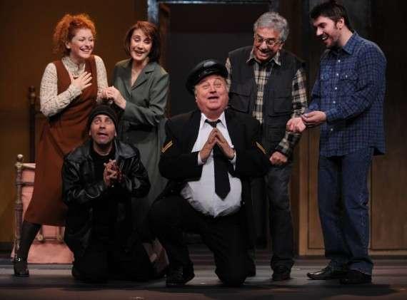 """""""Δεν πληρώνω... Δεν πληρώνω"""", η κοινωνική σάτιρα του Ντάριο Φο (Νόμπελ 1997), παρουσιάζεται από τις 14 Οκτωβρίου στο θέατρο """"Αλφα"""""""