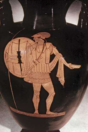 Spartan warrior as depicted on a Greek red-figured vase, c. 480 bc.  The Granger Collection, New York