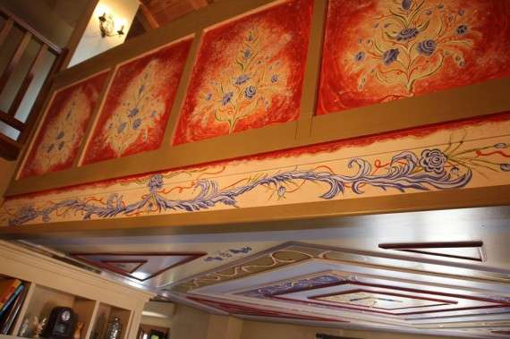 Ζωγραφική, σε στηθίο σοφίτας και οροφή. Εμπνεύστηκα από τα λαογραφικά μοτίβα σε αρχοντικά της Ηπείρου,και δούλεψα με λαδομπογιές νερού!!!
