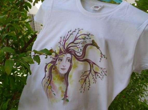 T-shirt ζωγραφισμένο, με πινέλα και ανεξίτηλα χρώματα! Εμπνευσμένο για την Οικογιορτή της Κατερίνης!