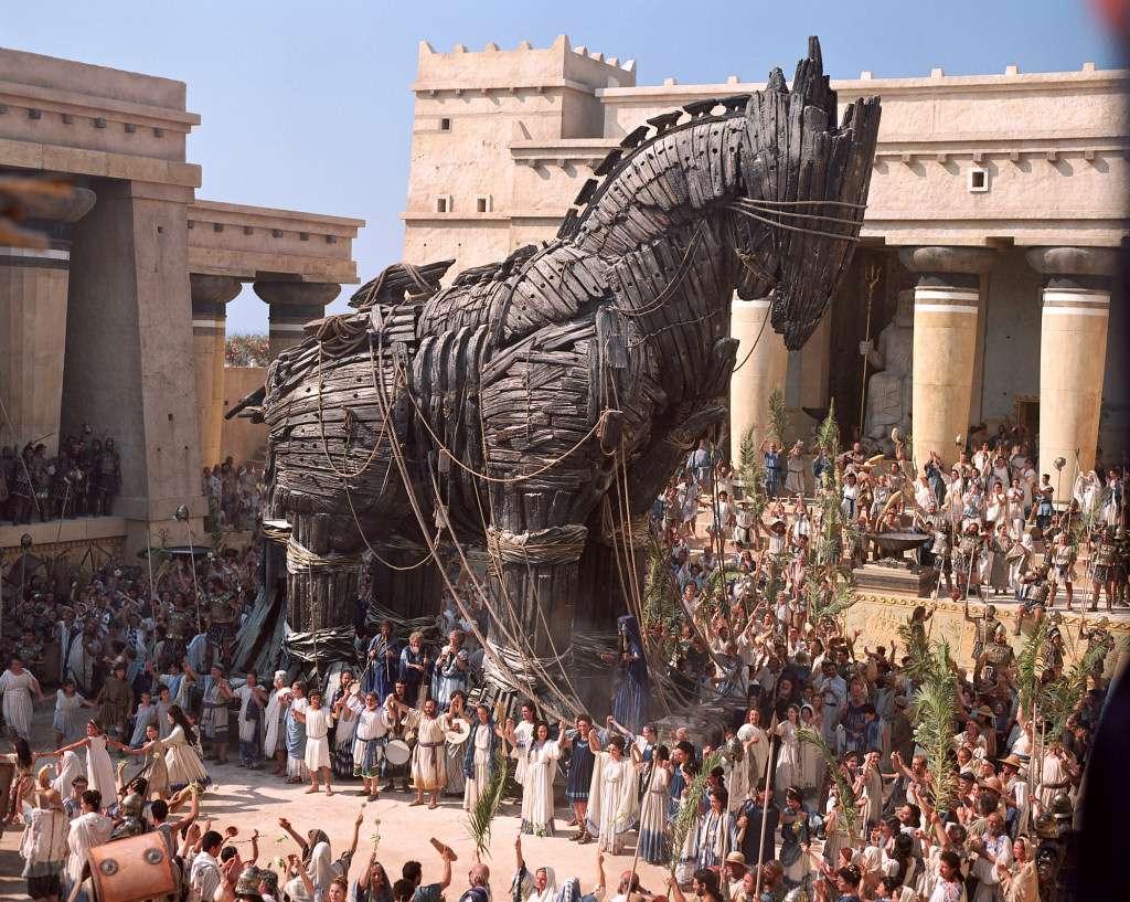Ο δούρειος ίππος (δούρειος=ξύλινος) στην ελληνική μυθολογία είναι κατασκευή εμπνευσμένη από τον Οδυσσέα, ένα ξύλινο άλογο-κρύπτη. Σκοπός του Οδυσσέα ήταν να παραπλανηθούν οι Τρώες και να το εκλάβουν ως δώρο και ως δείγμα καλής θελήσεως και ειρήνης από τους Αχαιούς.