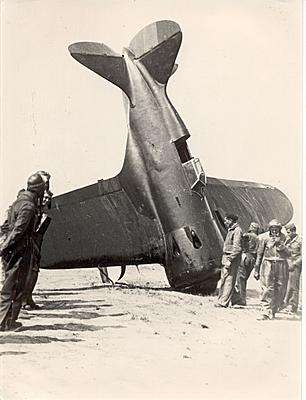 Καταριφθέν σοβιετικής κατασκευής αεροπλάνο των δημοκρατών