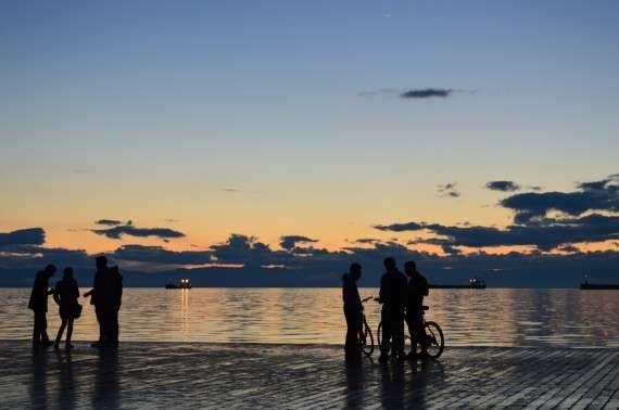 Θεσσαλονίκη. Βράδυ στη νέα παραλία.