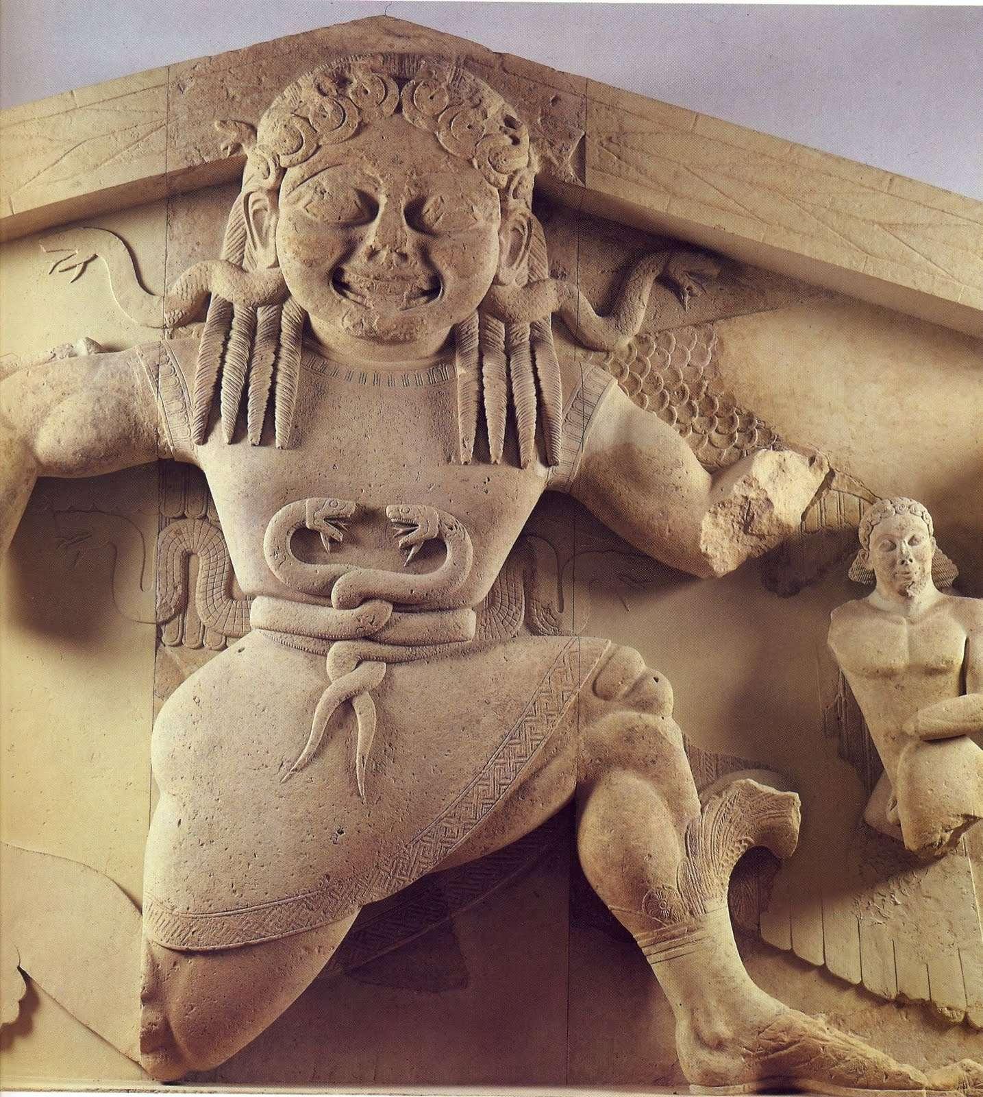 Αποτροπαϊκή Γοργώ (δυτικό αέτωμα ναού Αρτέμιδος - Κέρκυρα)