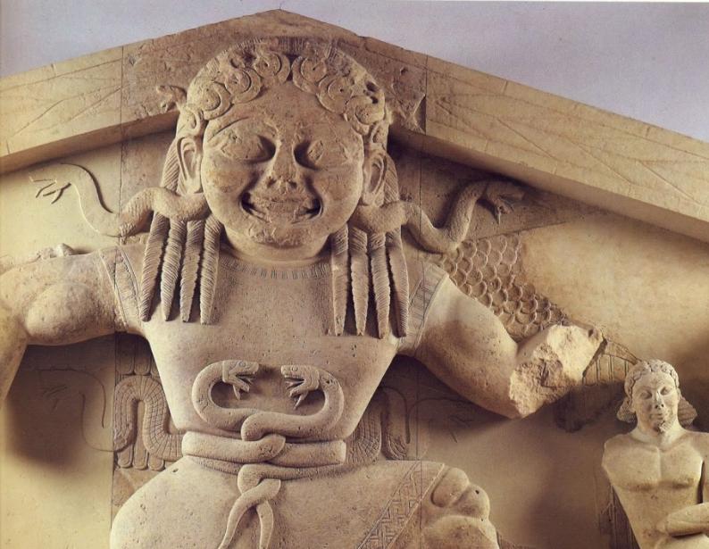 Αποτροπαϊκή Γοργώ (δυτικό αέτωμα ναού Αρτέμιδος – Κέρκυρα)