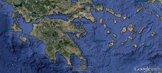 Όπως ήταν φυσικό, η αδυναμία της Σπάρτης να ελέγξει τους συμμάχους, έφερε δυσφορία στην Αθήνα, αφού ούτε η Αμφίπολη, ούτε άλλα μέρη που είχαν συμφωνηθεί επιστράφηκαν στους Αθηναίους. Έτσι κι εκείνοι δεν παρέδιδαν την Πύλο και μετανοούσαν που έδωσαν τους αιχμαλώτους στη Σφακτηρία.