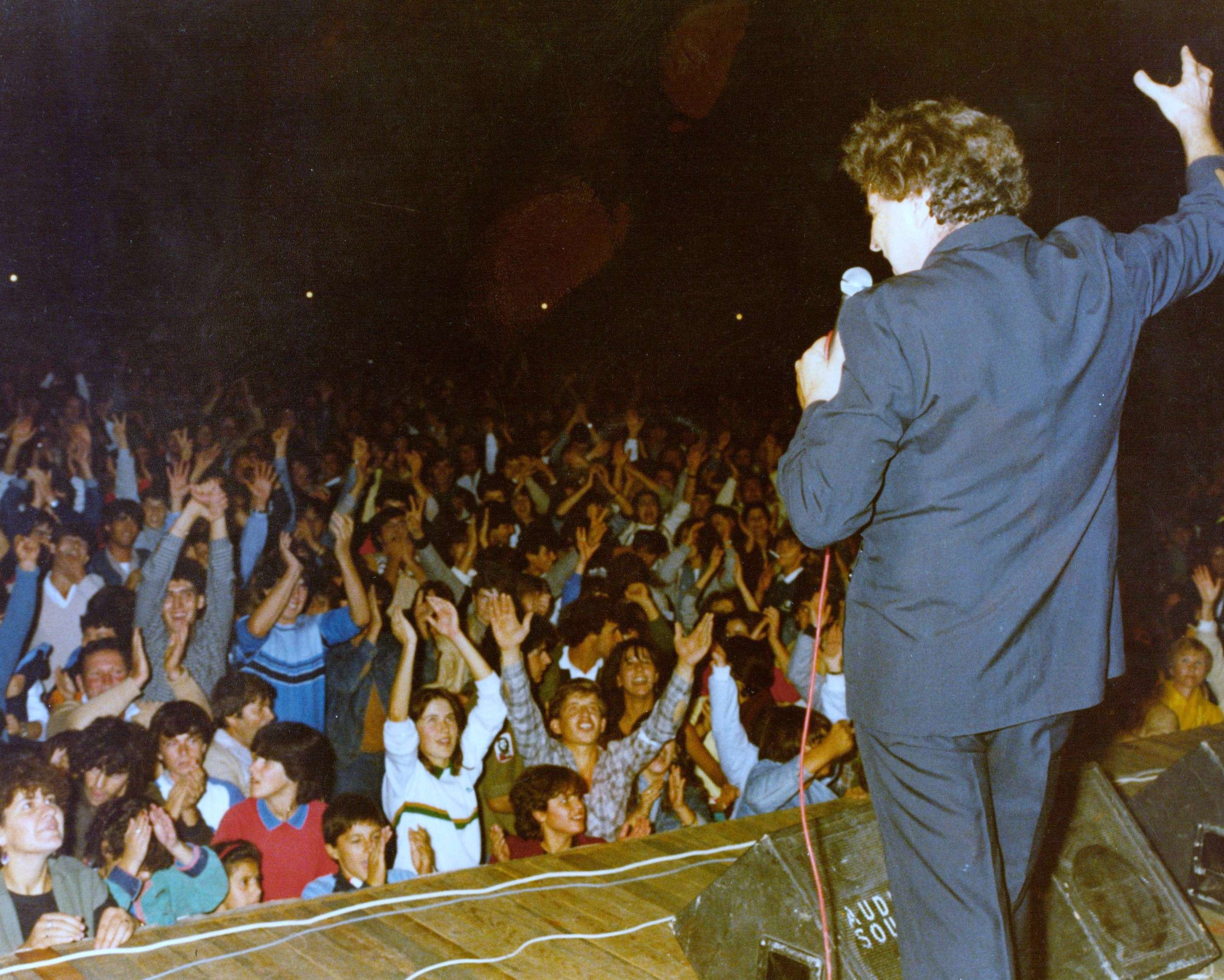 Ο Μίκης Θεοδωράκης σε συναυλία