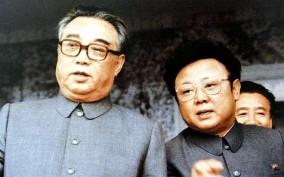 Ο Κιμ Ιλ Σουνγκ με τον γιο του, Κιμ Γιονγκ Ιλ, το 1983