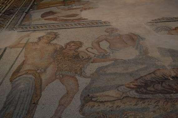 Ψηφιδωτό δάπεδο με μυθικές παραστάσεις. Αρχαιολογικό Μουσείο Θεσσαλονίκης