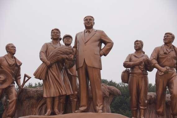Ο Κιμ Ιλ Σουνγκ στο πλευρό των αγροτών
