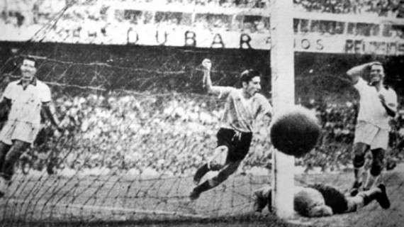 ο γκολ με το οποίο η Ουρουγουάη νικά τη Βραζιλία μέσα στο Μαρακανά