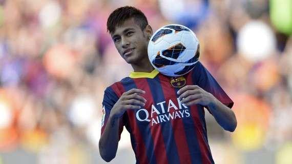Ο Νεϊμάρ ντα Σίλβα Σάντος Τζούνιορ ή απλώς Νεϊμάρ (Neymar) είναι βραζιλιάνος ποδοσφαιριστής και γεννήθηκε στο Σάο Πάολο στις 5 Φεβρουαρίου του 1992.