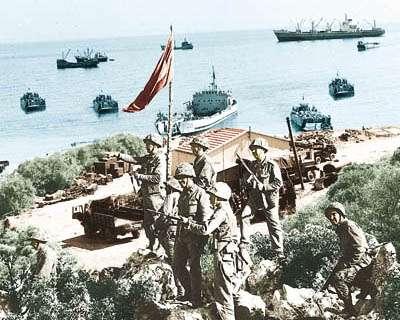 Τούρκοι στρατιώτες εισβάλλουν στην Κύπρο