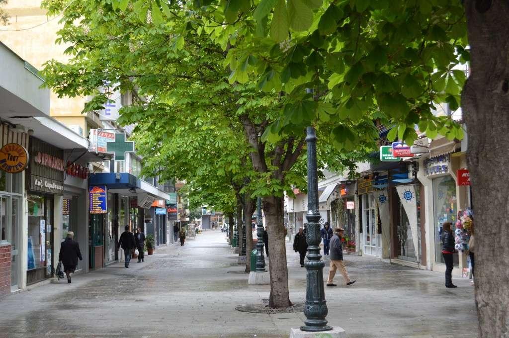 Ο πεζόδρομος στην κεντρική πλατεία της Κοζάνης