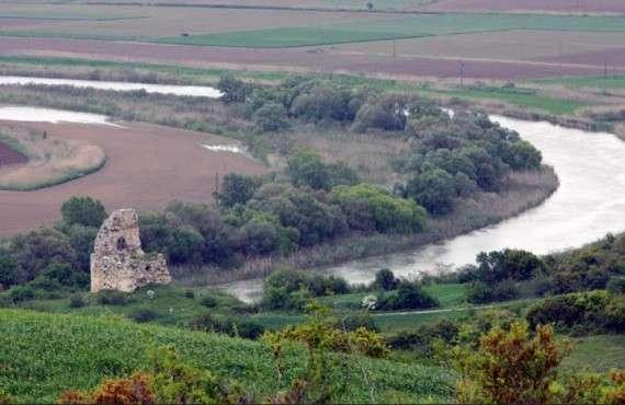 Ο ποταμός Στρυμόνας, πλωτός σ' εκείνο το σημείο που συναντούσε τη λίμνη Κερκινίτιδα και την Αμφίπολη