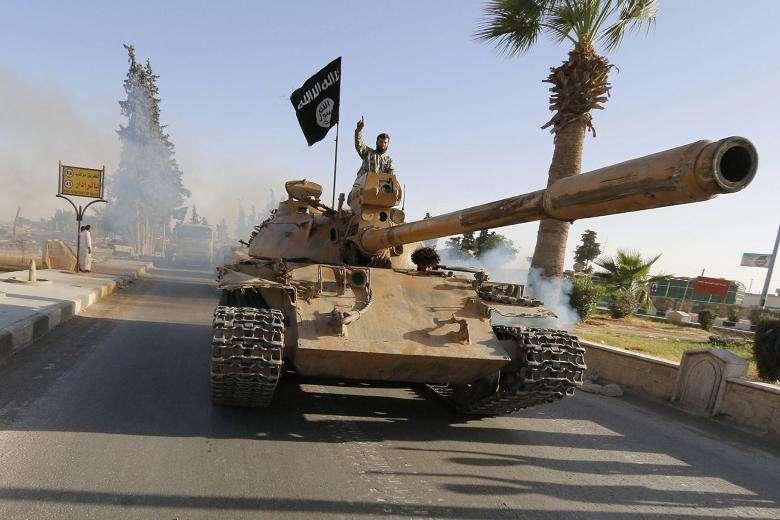 Άρμά μάχης που απέσπασαν από τις ιρακινές δυνάμεις μαχητές της οργάνωσης I.S.I.S