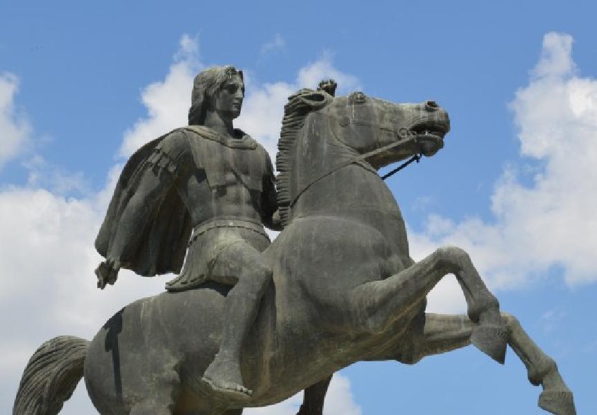 Ο Αλέξανδρος Γ' ο Μακεδών ή Αλέξανδρος ο Μέγας, Βασιλεύς Μακεδόνων. Άγαλμα στην παραλία της Θεσσαλονίκης