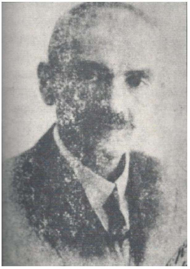 Ο Παναγιώτης Λιούφης, γιος του Νικολάου και της Ελένης, γεννήθηκε στην Κοζάνη τον Νοέμβριο του 1869 και πέθανε το 1926 στην Αθήνα.