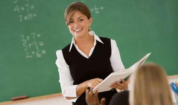 Σε πρώτο στάδιο οι διευθυντές οφείλουν να οργανώσουν την πρώτη συνάντηση με τους νέους εκπαιδευτικούς στο χώρο του οργανισμού