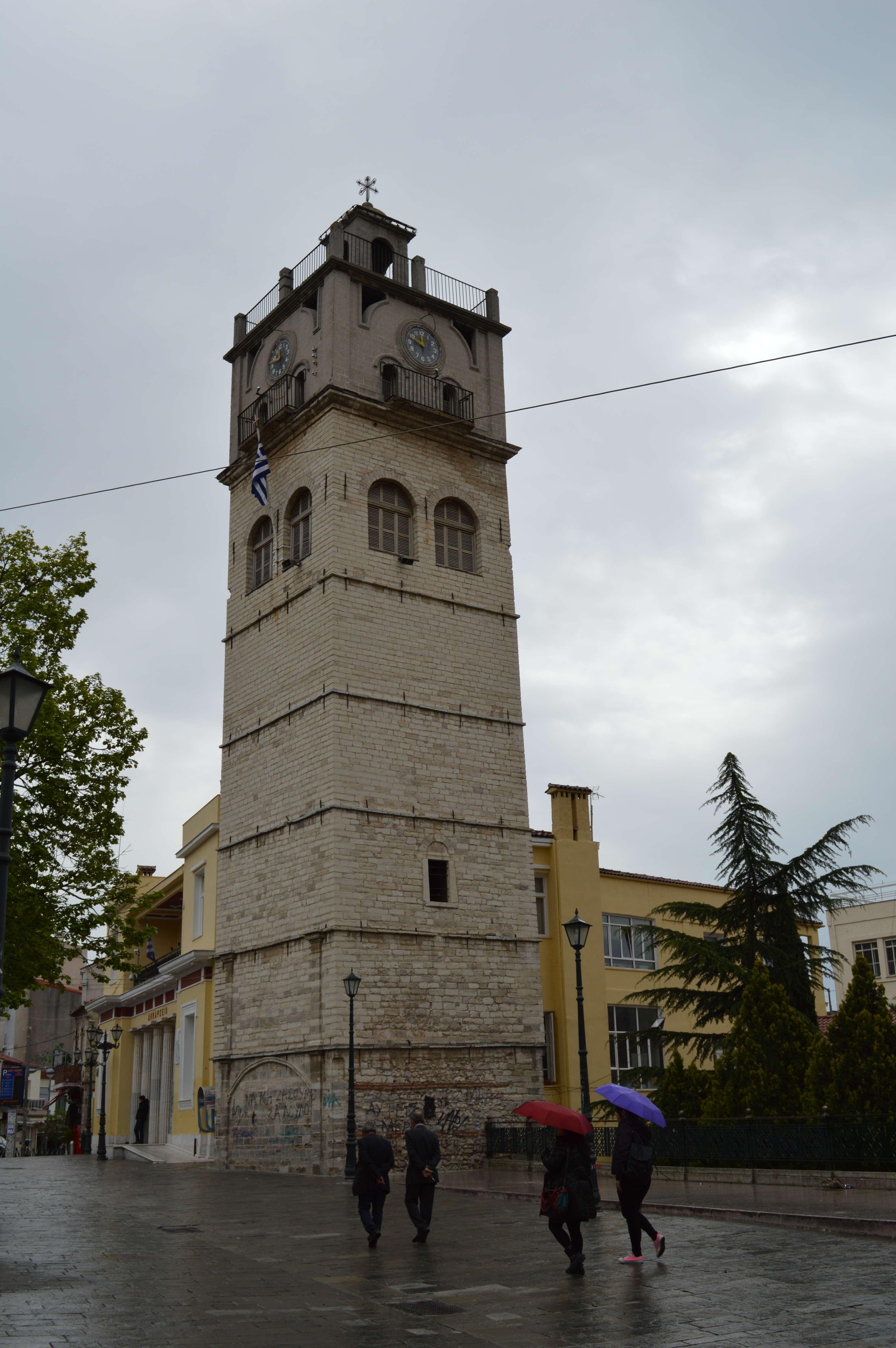 Το καμπαναριό-ρολόι στην κεντρική πλατεία της Κοζάνης
