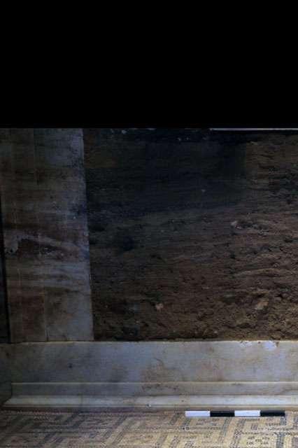 Ψηφιδωτό δάπεδο στο μνημείο της Αμφίπολης
