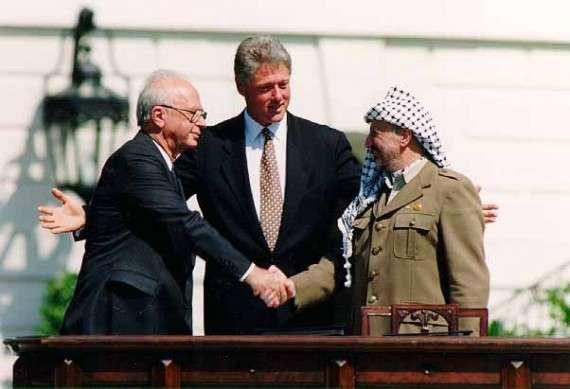 Yitzhak Rabin, Bill Clinton και Yasser Arafat στον Λευκό Οίκο 13/09/1993