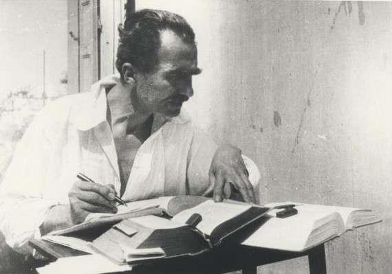 Ο Νίκος Καζαντζάκης (Ηράκλειο Κρήτης 18 Φεβρουαρίου[i] 1883 - Φράιμπουργκ Γερμανίας 26 Οκτωβρίου 1957) ήταν Έλληνας συγγραφέας.