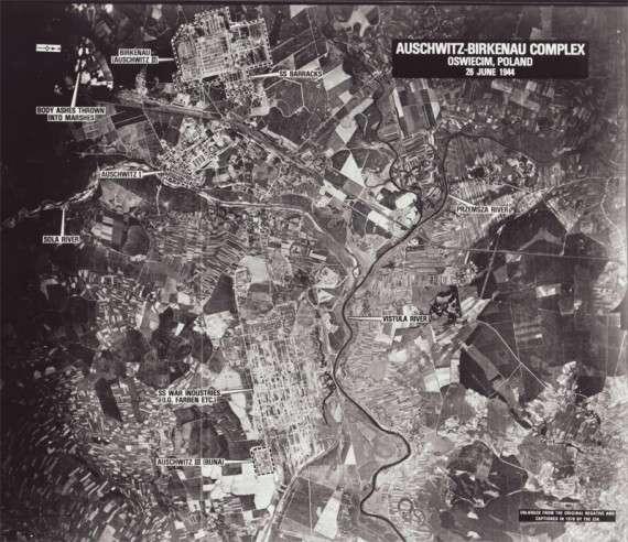 Το σύμπλεγμα κτηρίων Auschwitz-Birkenau στην Πολωνία. Φαίνονται τα Auschwitz 1, 2 και 3.Περίπου 7.000 Ναζί εργαζόμενοι οδήγησαν στο θάνατο περίπου 1,1 εκατομμύριο κρατούμενους, μέσα σε αυτήν την περιοχή 40 τετραγωνικών χιλιομέτρων.