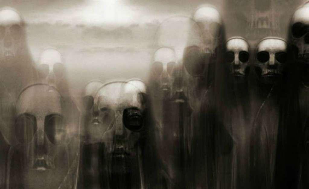 Το φάντασμα που εμφανίζεται δεν είναι παρά ο ίδιος ο Ρέντλω που ως άλλος εαυτός ξεστομίζει τις πιο μύχιες, κι ως εκ τούτου πιο πικρές, σκέψεις.