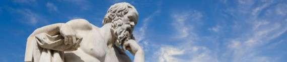 Ο Σωκράτης έξω από την Ακαδημία Αθηνών