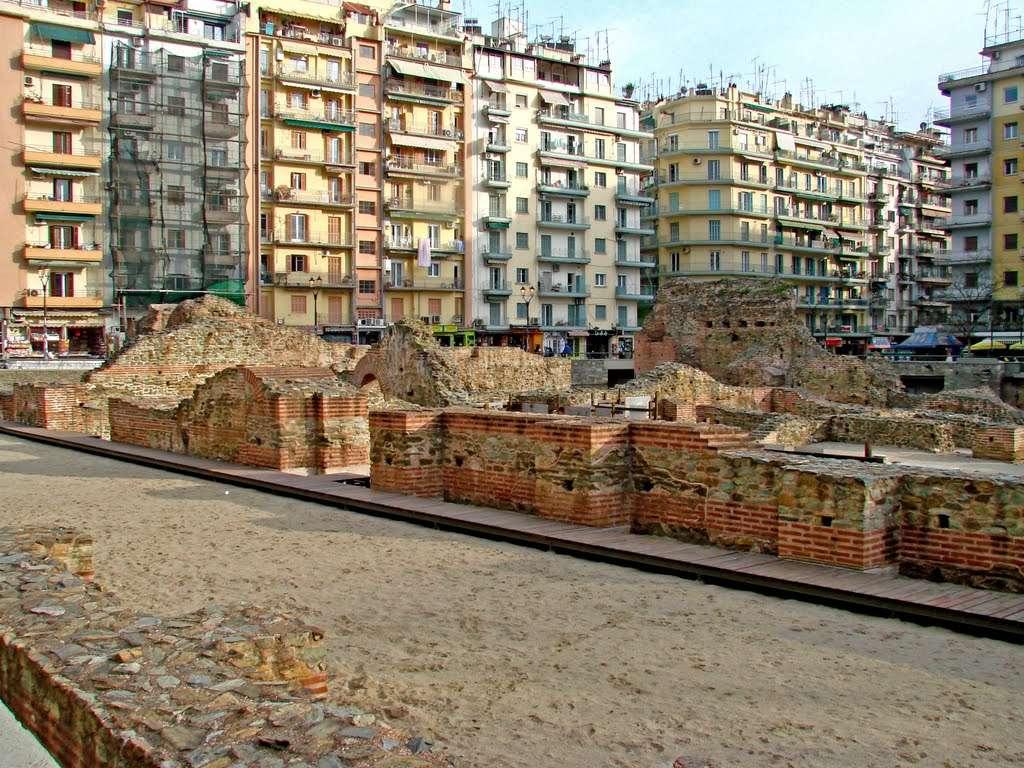 Πλατεία Ναυαρίνου στη Θεσσαλονίκη