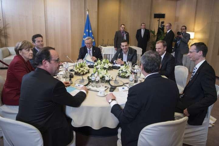 Πριν από τις εκλογές, τονίζαμε –και αυτό πλέον έχει καταδειχθεί– πως ο ΣΥΡΙΖΑ δεν πρόκειται να πραγματοποιήσει τίποτα απ' όσα υποσχόταν, όχι για τίποτε άλλο, αλλά γιατί, στις συνθήκες που θα έπαιρνε τις εκλογές, αυτά θα ήταν απολύτως αδύνατο να εφαρμοστούν.