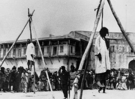 Η λέξη «γενοκτονία» δημιουργήθηκε από τον ποινικολόγο Ραφαήλ Λέμκιν με αφορμή τα ναζιστικά εγκλήματα, δηλαδή πάνω από 30 χρόνια μετά τα γεγονότα κατά των Αρμενίων.