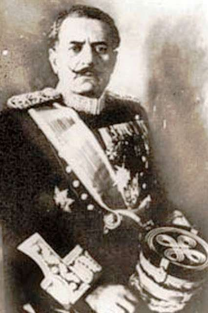 Ο στρατηγός Κονδύλης με πραξικόπημα ανέβηκε στην εξουσία και με νόθο δημοψήφισμα επανέφερε τον βασιλιά Γεώργιο Β΄