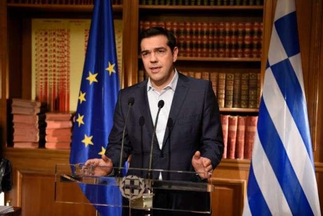 Ο Αλέξης Τσίπρας ξεκαθάρισε ότι «Η έξοδος από το ευρώ δεν είναι επιλογή μας. Δεν είναι αμελητέα η παρέμβαση ενός λαού.